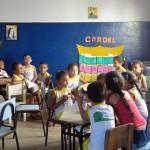 BIBLIOTECA COMUNITÁRIA DONA MARIINHA ATRAI CRIANÇAS PARA A LEITURA DE FORMA LÚDICA