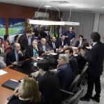 GOVERNADOR REÚNE PARLAMENTARES PARA DISCUTIR A SITUAÇÃO FINANCEIRA DO RN