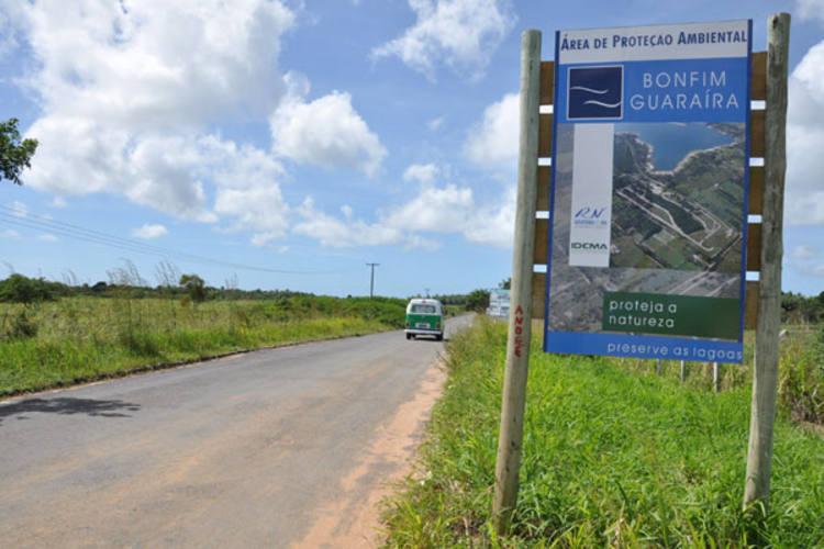 Placa da APA Bonfim-Guaraíra Foto Adriano Abreu
