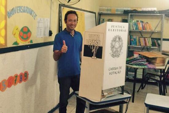 daniel-votando-em-alcacuz-foto-cedida